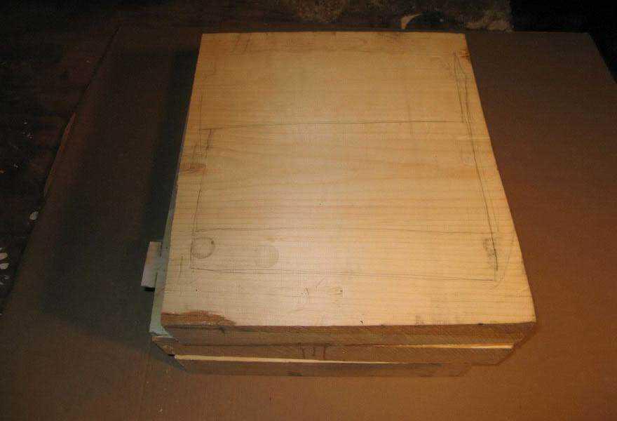 realistic wood sculptures box of cash randall rosenthal 2 O homem que descobriu como fazer dinheiro (literalmente)