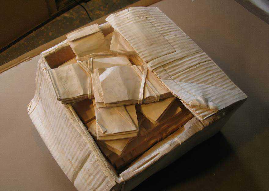 realistic wood sculptures box of cash randall rosenthal 6 O homem que descobriu como fazer dinheiro (literalmente)