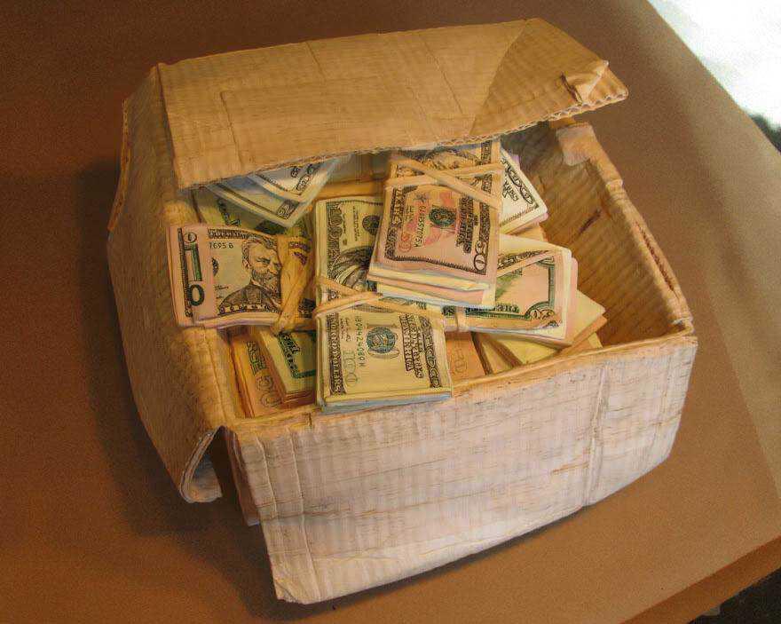 realistic wood sculptures box of cash randall rosenthal 8 O homem que descobriu como fazer dinheiro (literalmente)