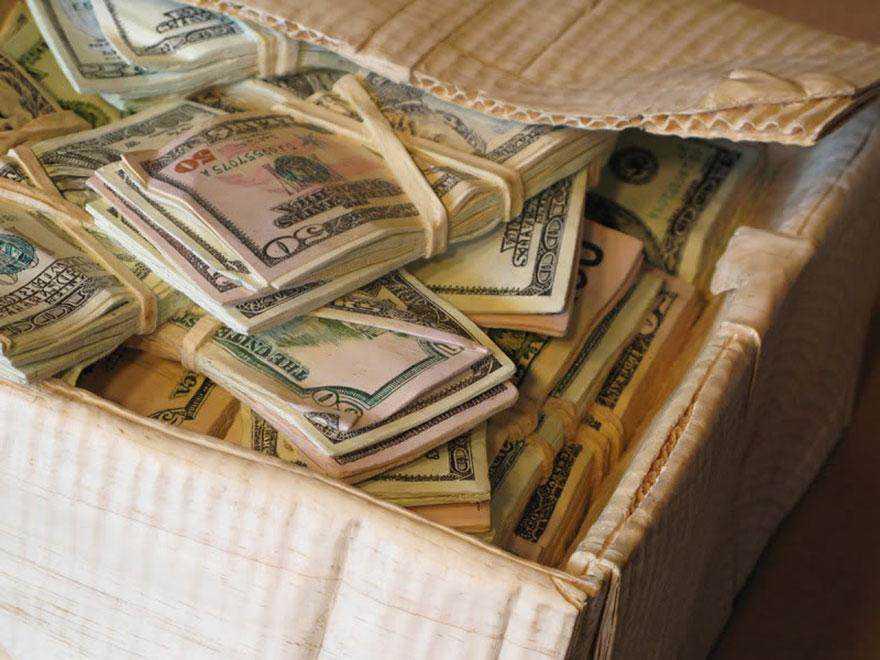 realistic wood sculptures box of cash randall rosenthal 9 O homem que descobriu como fazer dinheiro (literalmente)
