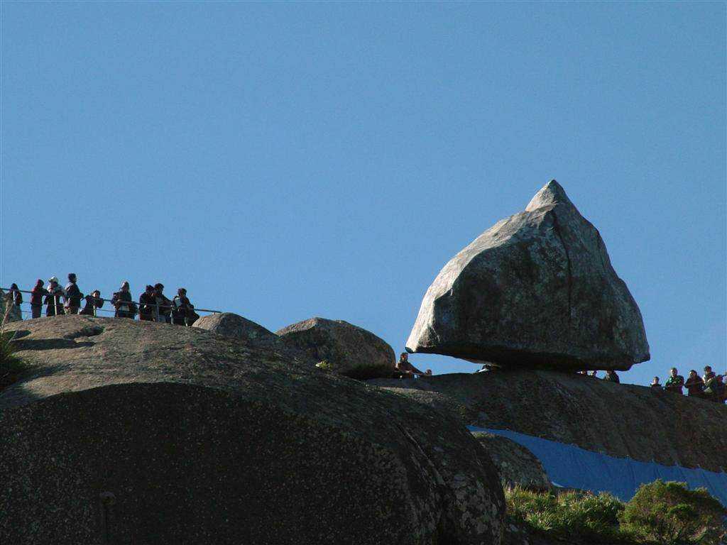 0 101afa 77c76ded orig A pedra que não é pedra