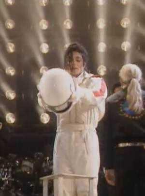 Michael Jackson   jetpack 300 O inevitável desejo de voar: A história dos jetpacks