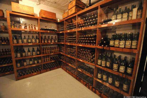 Wine cellar 2 620x412 O incrível Castelo Hearst