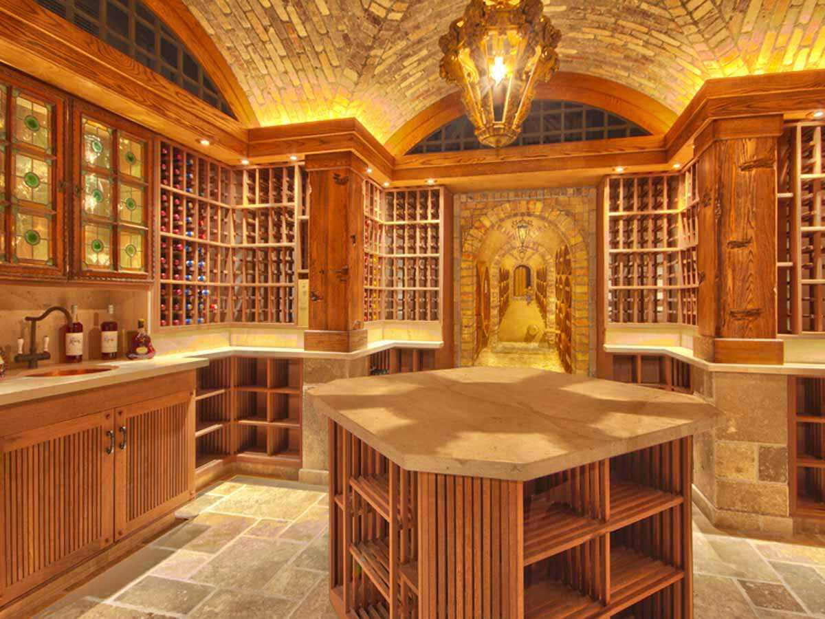 and-the-wine-cellar-has-space-for-3200-bottles