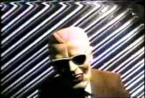 Max Headroom broadcast signal intrusion 300x202 O dia em que o Et entrou ao vivo na Tv