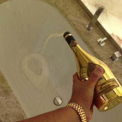 10-golden-shower