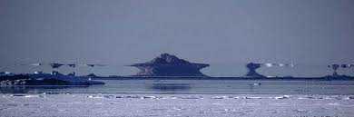 images 37 O mistério da ilha fantasma