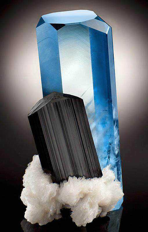 54921eb7e99181f3008ea09d4d2050b3 Dez pedras azuis de pirar o cabeção