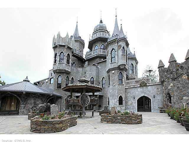 Chrismark Castle Tá com 40 milhões de dólares sobrando aí? Que tal comprar este castelo?