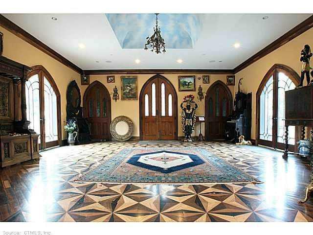 Chrismark Castle10 Tá com 40 milhões de dólares sobrando aí? Que tal comprar este castelo?