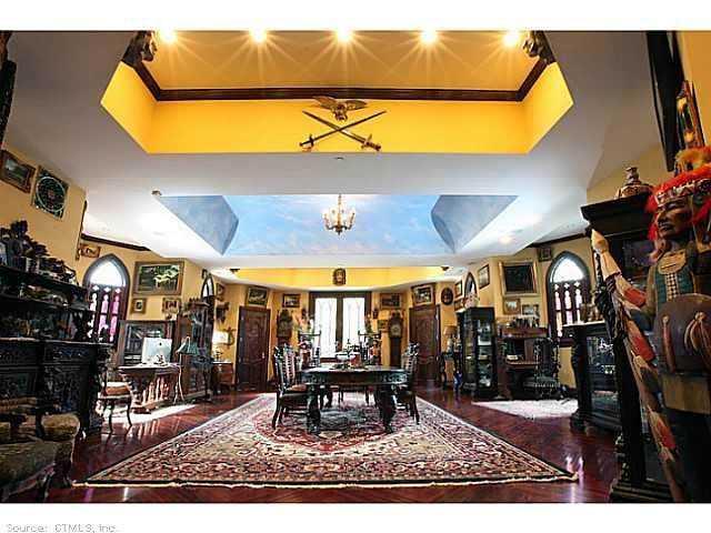 Chrismark Castle11 Tá com 40 milhões de dólares sobrando aí? Que tal comprar este castelo?
