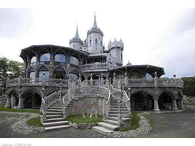 Chrismark Castle3 Tá com 40 milhões de dólares sobrando aí? Que tal comprar este castelo?