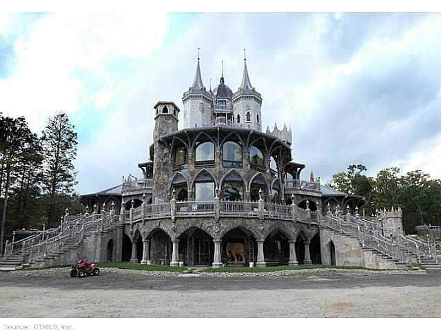Chrismark Castle4 Tá com 40 milhões de dólares sobrando aí? Que tal comprar este castelo?