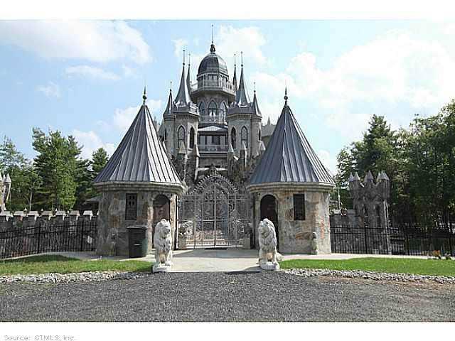 Chrismark Castle6 Tá com 40 milhões de dólares sobrando aí? Que tal comprar este castelo?