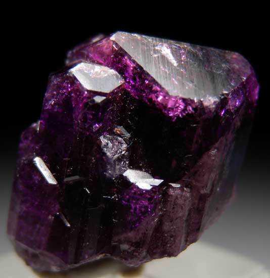 a8ff4d68dab26e4dd403228fd9bed148 10 Pedras sensacionais nas cores roxo e lilás