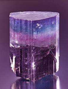 bd2f8bece4eda323874d248bc8973bb3 229x300 10 Pedras sensacionais nas cores roxo e lilás