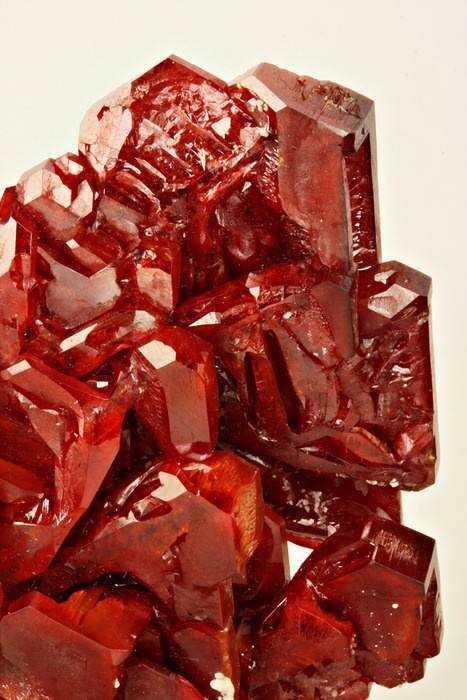 d419bc65a35aeac3c63af6ac8d03b443 10 incríveis pedras preciosas vermelhas