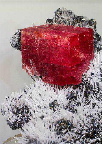 dd231296eab84d64e84719b5132676d2 10 incríveis pedras preciosas vermelhas