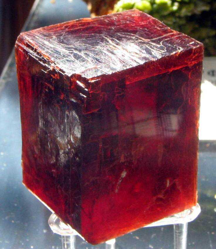 ed54a912d343bc04a149688c78c975e1 10 incríveis pedras preciosas vermelhas