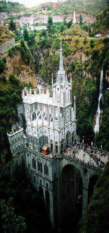 129a265bc30c227d863fcb871d3aa281 Dez igrejas impressionantes