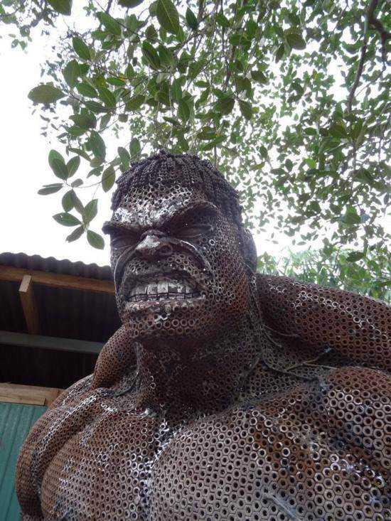 incredible-hulk-sculpture3-550x733