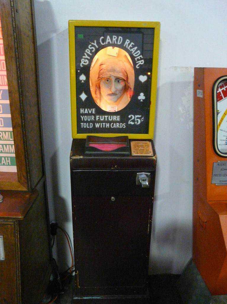 800px Musée Mécanique 064 767x1024 Médico automático: Uma máquina bizarra