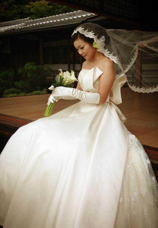 Solo wedding service3 550x796 Japão, o paraíso do Forever alone