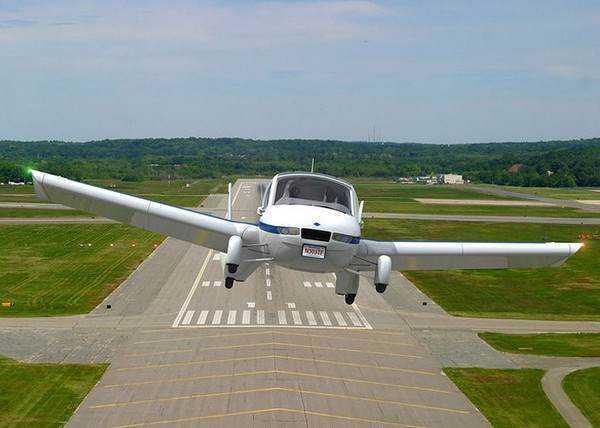 runwayflight 1 Mais um carro voador bizarro