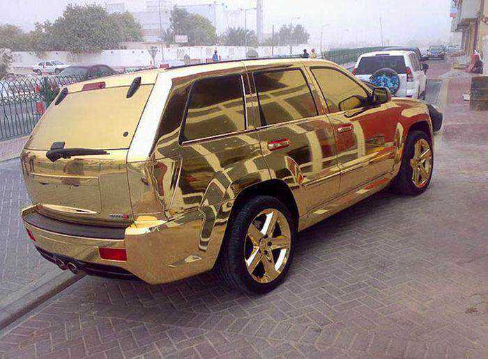 A vida extravagante dos milionários de Dubai 5 Grifes e a vergonha de ser de pobre querendo parecer rico