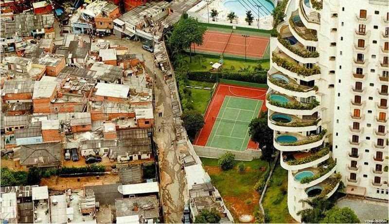 desigualdade social Grifes e a vergonha de ser de pobre querendo parecer rico