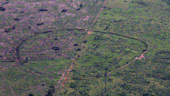 9e1c02beebb0f9d9de019970a04897a2 Desenhos para serem vistos dos céus: O mistério dos geoglifos pelo mundo