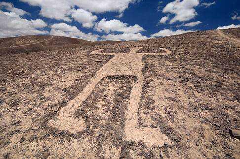 d75f616bc2964c24af3a84e907ac85cd Desenhos para serem vistos dos céus: O mistério dos geoglifos pelo mundo