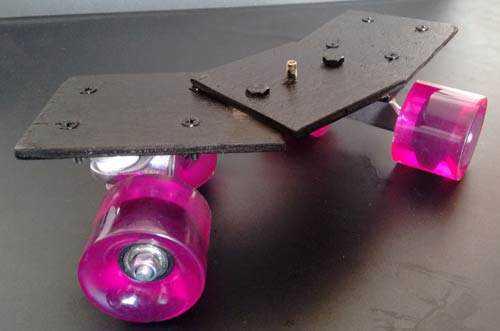carrinhodolly2 Como fazer um carrinho para dolly em mesa