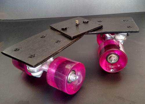 carrinhodolly3 Como fazer um carrinho para dolly em mesa
