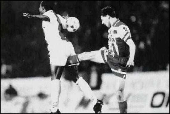 chute no saco doi Bolas de aço: Veja como é o treino do Kung Fu para deixar o atleta à prova de chute no saco