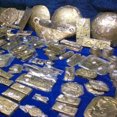 Algumas peças do misterioso tesouro