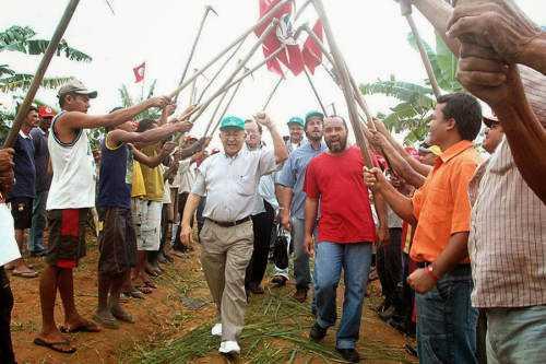 br guerra civil brasil mst Novos exércitos