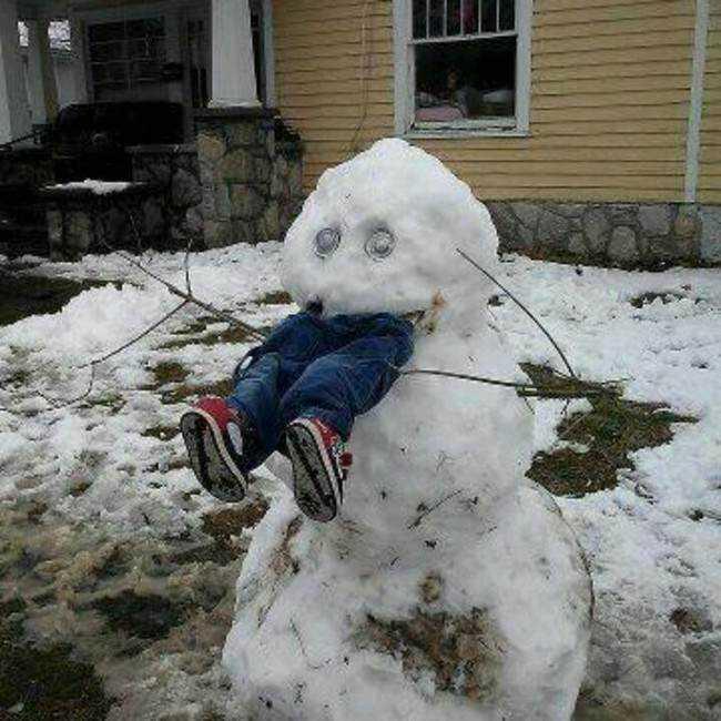 1 desktop 1423583135 Os mais bizarros bonecos de neve do mundo