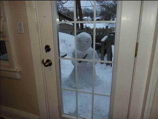 1 desktop 1423584332 Os mais bizarros bonecos de neve do mundo