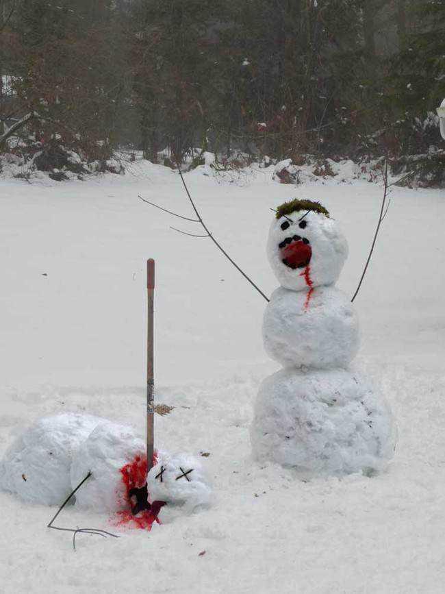 1 desktop 1423584997 Os mais bizarros bonecos de neve do mundo