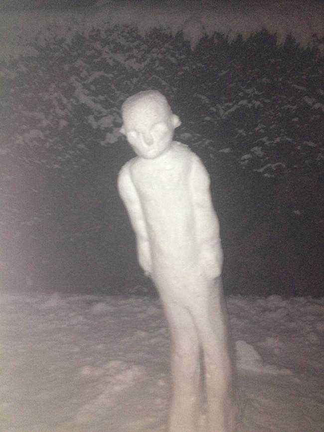 1 desktop 1423585110 Os mais bizarros bonecos de neve do mundo