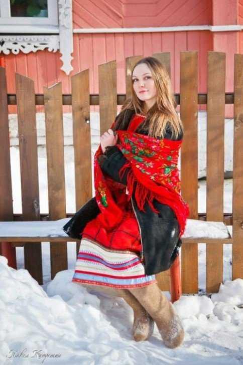 krasavicy015 484x728 A arte de arrumar namorado na Russia