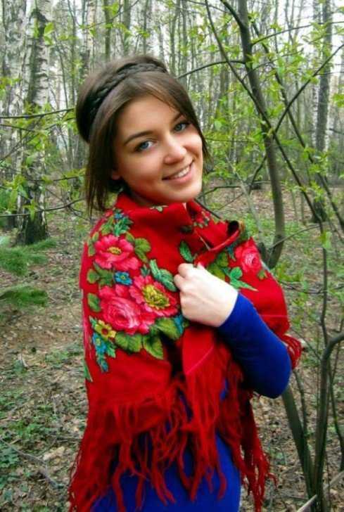 krasavicy09 489x728 A arte de arrumar namorado na Russia