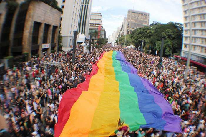 parada gay grande interna ae 20120612 Homossexuais e a burrice