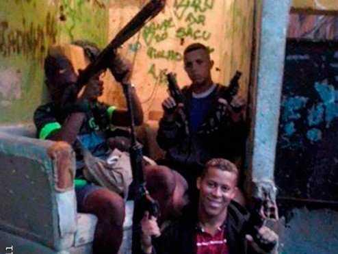 traficantes morro dezoito ada 2 e1433372298485 A falta de profissionalismo dos bandidos