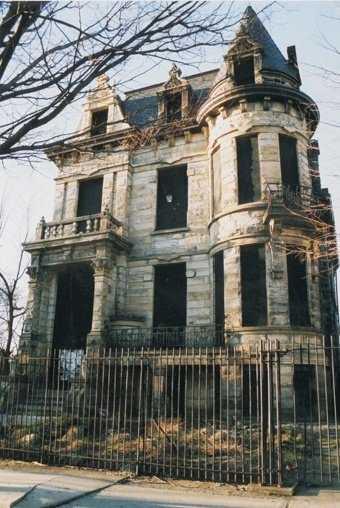 0cade4268a5ce19840874cc4dfbcf143 Casas abandonadas que parecem mal assombradas