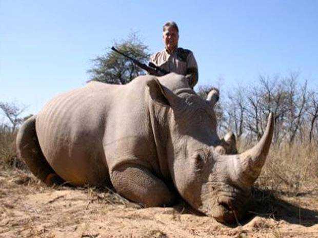 25 ElephantHunt Caçador: O pior do lixo humano