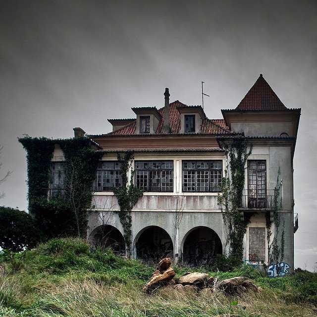 35319cc7f36bfce6ae129e85fa9edd79 Casas abandonadas que parecem mal assombradas