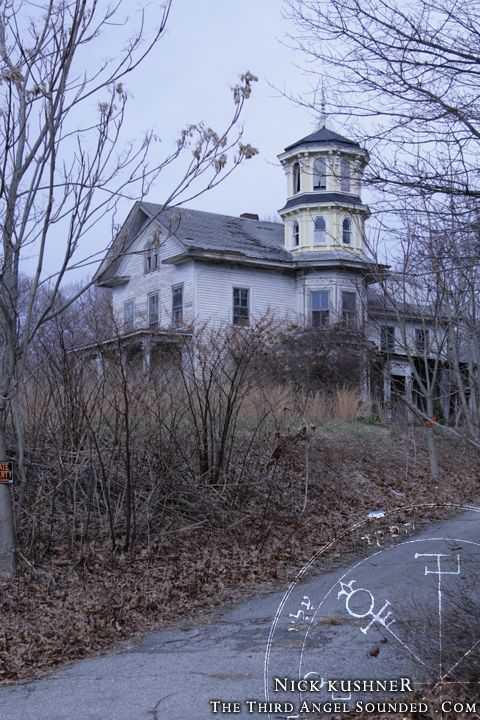 b2d52cfc89f4d7090f56e91329f0ea95 Casas abandonadas que parecem mal assombradas
