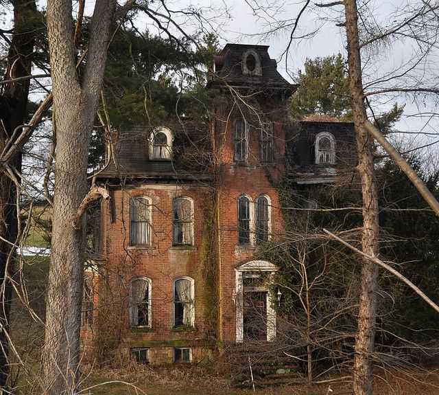 b5a02e679a3152073610d900bb11c379 Casas abandonadas que parecem mal assombradas